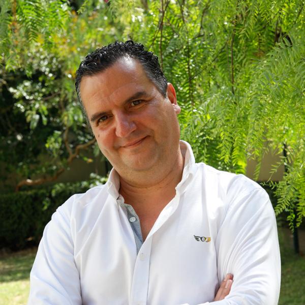 Dr. Paulo Canário