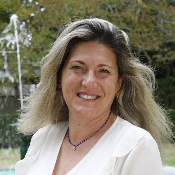 Dra. Carla Gil