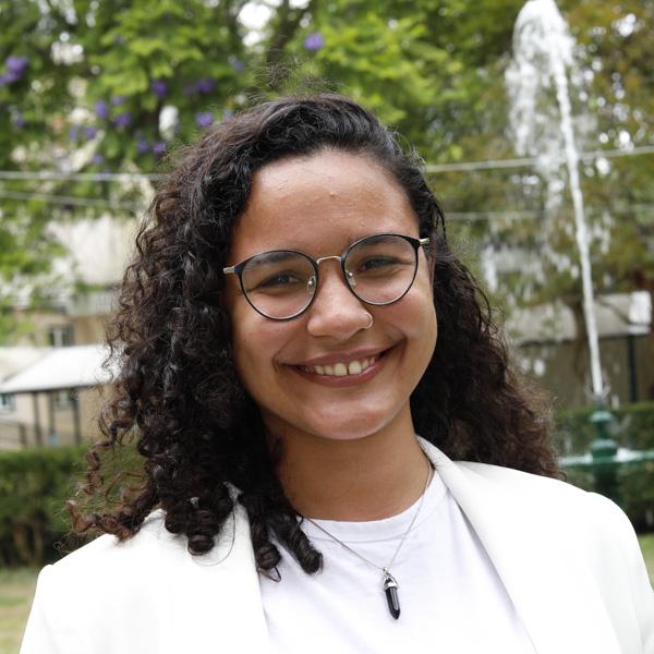 Dra. Laís Gomes
