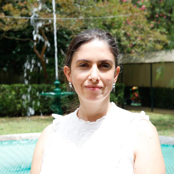 Dra. Raquel Ferreira